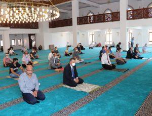 Amasya Üniversitesi İlahiyat Fakültesi Camii ibadete açıldı