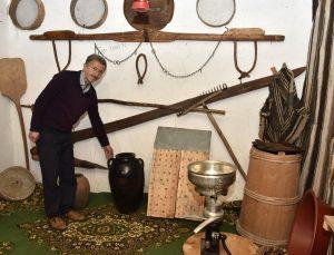 Atmaya kıyamadığı eski eşyalarla köy evini müzeye çevirdi