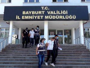 Bayburt'ta silahlı kavga olayına karışan abi, kardeş tutuklandı