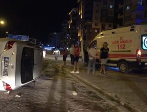 Yan yatan otomobil metrelerce sürüklendi: 1 yaralı
