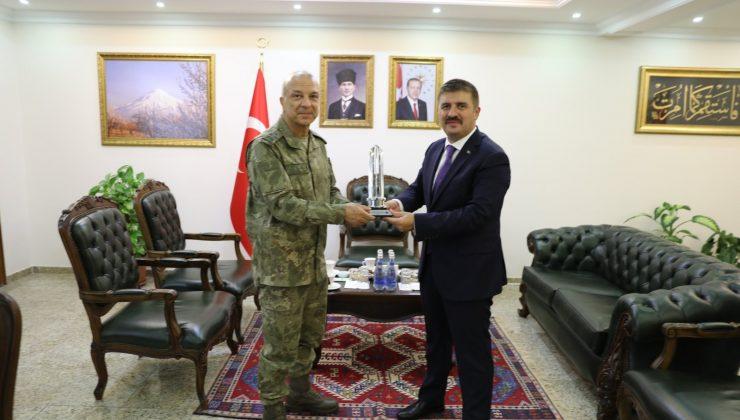 3. Ordu Komutanı Korgeneral Türkgenci'nden Vali Sarıibrahim'e ziyaret