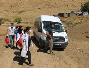 Aşı ekipleri Bitlis'i mavi şehir yapmak için çalışıyorlar