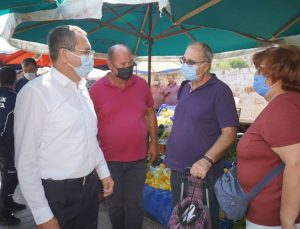 Başkan Ergin pazaryerinde vatandaşların sorunlarını dinledi
