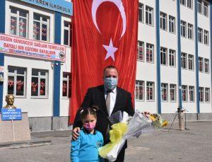 Bitlis'te İlköğretim Haftası kutlamaları