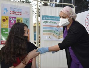 Burdur'da 'Okulumu seviyorum, aşımı oluyorum' kampanyası