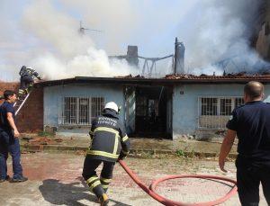 Engelli vatandaşın evi yangında küle döndü