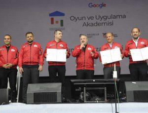 Google Türk gençlerini oyun ve uygulama geliştirmek için eğitecek