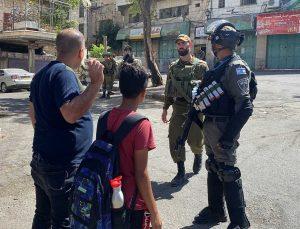 İsrail güçleri, Yahudi baskını için El Halil kent merkezini kapattı