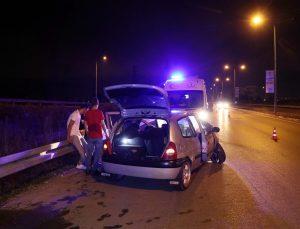 Kaza yapan alkollü sürücü hıncını gazetecilerden çıkarmak istedi