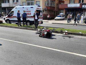 Motosiklet yayaya çarptı