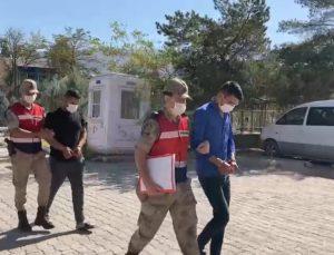Muradiye'de göçmen kaçakçılığı yapan 2 kişi tutuklandı