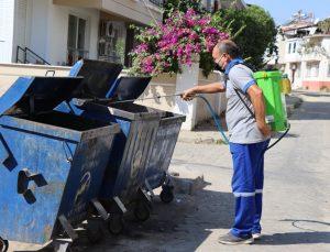 Nazilli'de konteynerler dezenfekte ediliyor