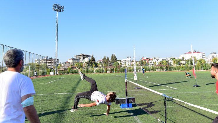 """Osmaniye'de """"Ayak tenisi turnuvası"""" düzenlendi"""