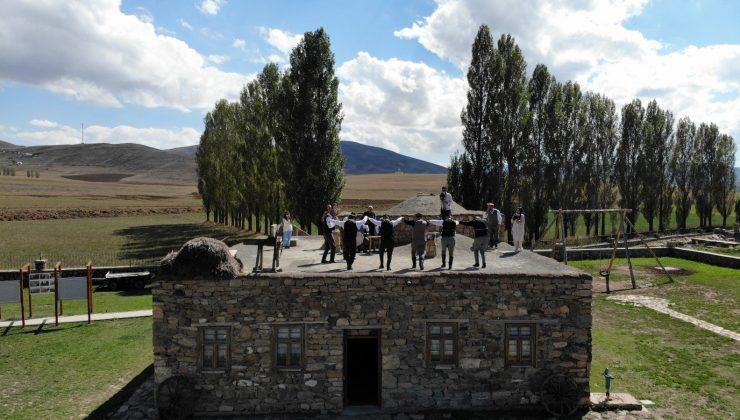 Avrupa'da 'Yılın Müzesi' seçilen müzede dam üstünde horon şov