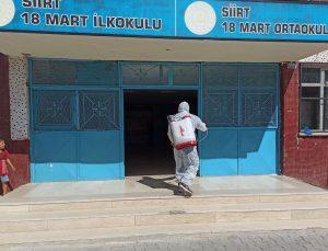 Siirt Belediyesi okullarda dezenfektan çalışmalarını hızlandırdı