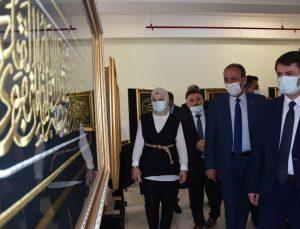 Tomarza'da Kâinatın Kalbi Kâbe-i Muazzama sergisi açıldı