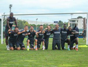 Trabzonspor'un 28 kişilik kadrosu 15'i yerli, 13'ü yabancıdan oluştu