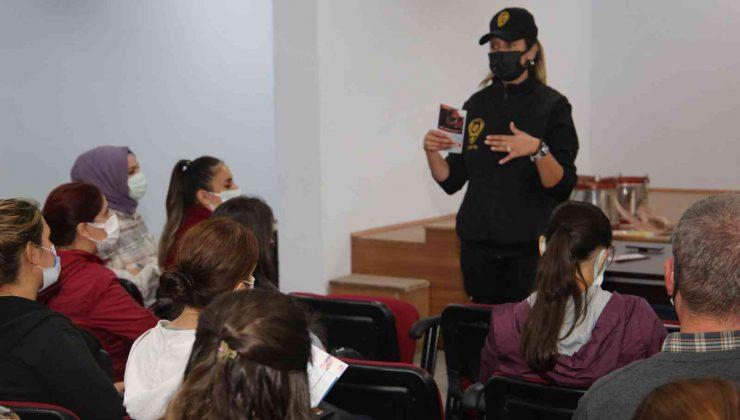 250 kursiyere 'En İyi Narkotik Polisi Anne' projesi anlatıldı