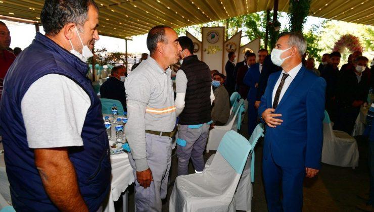Başkan Çınar, temizlik işler müdürlüğü ekipleriyle bir araya geldi