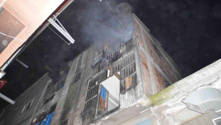 Bayrampaşa'da cila atölyesinde yangın: 1 itfaiye eri dumandan etkilendi