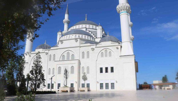 Uzun Mehmet Camii'ne büyük ilgi: 5 ayda 300 bin ziyaret